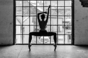 Balletttänzerin im KAOS Studio