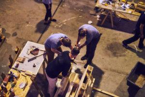 Menschen arbeiten gemeinsam an einem Projekt